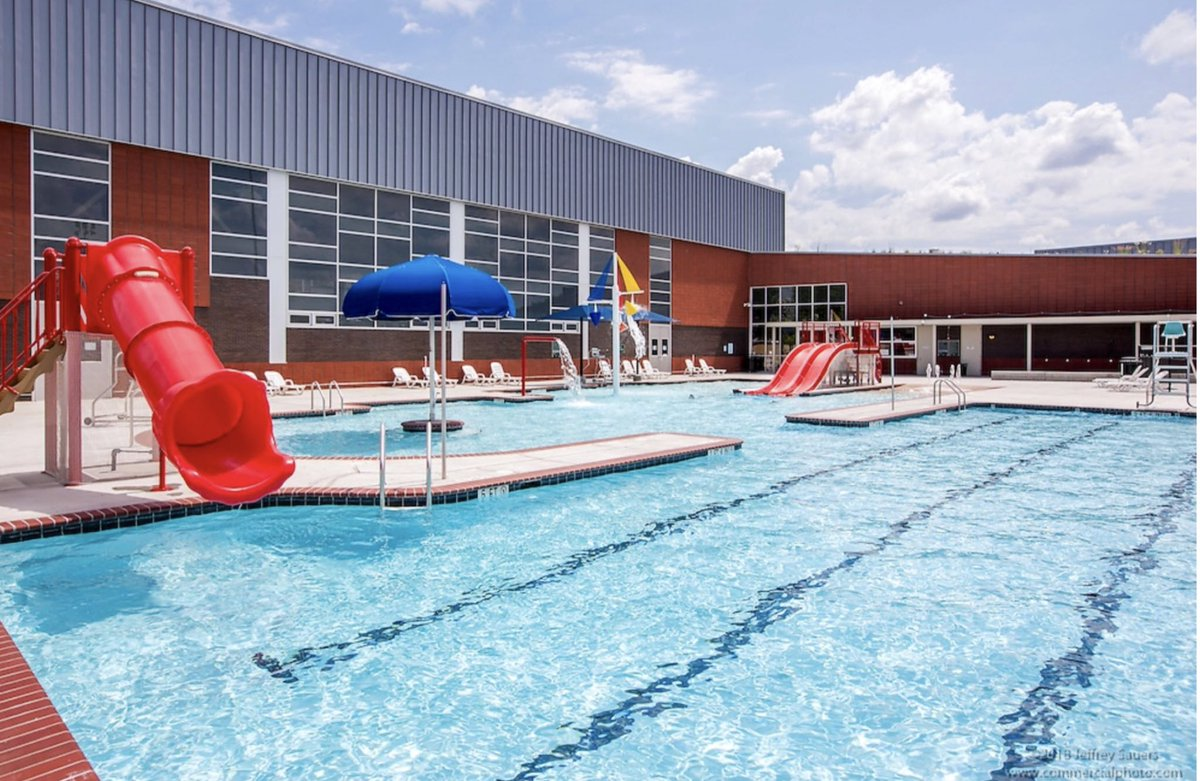 Rosedale Pool is open every day this week til 9pm! Due to the intense heat, @MayorBowser announced extended opening hours at select pools & splash parks across the city. Rosedale is the designated #Ward6 location--enjoy! http://nixle.us/B6HXL  #KingmanPark #RosedaleDC #HillEast