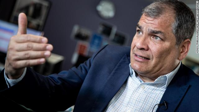 Former Ecuadorian President Rafael Correa says his country was aware that WikiLeaks founder Julian Assange was interfering in the 2016 US presidential election from Ecuador's embassy in London  https:// cnn.it/2JOQCMH    <br>http://pic.twitter.com/fQgWmm92I3