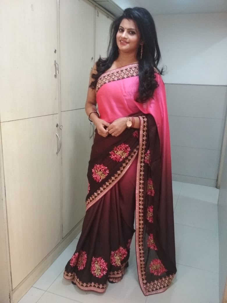 #SareeTwitter is trending..how could I not be a part of this .. #WednesdayMotivation <br>http://pic.twitter.com/O81jS5lLHS