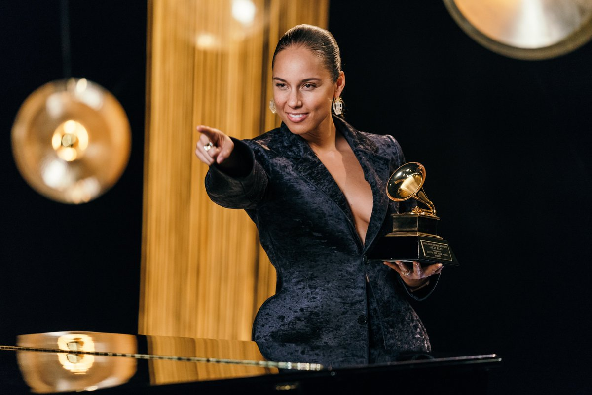 Wow!!! This just made my day  The GRAMMYs was just nominated for an Emmy!!! So much hard work was put into that show and I just want to thank everyone behind the scenes who brought that show to life  You did it!! We did it!!! Woooooo!!! <br>http://pic.twitter.com/sKns4ydNZW