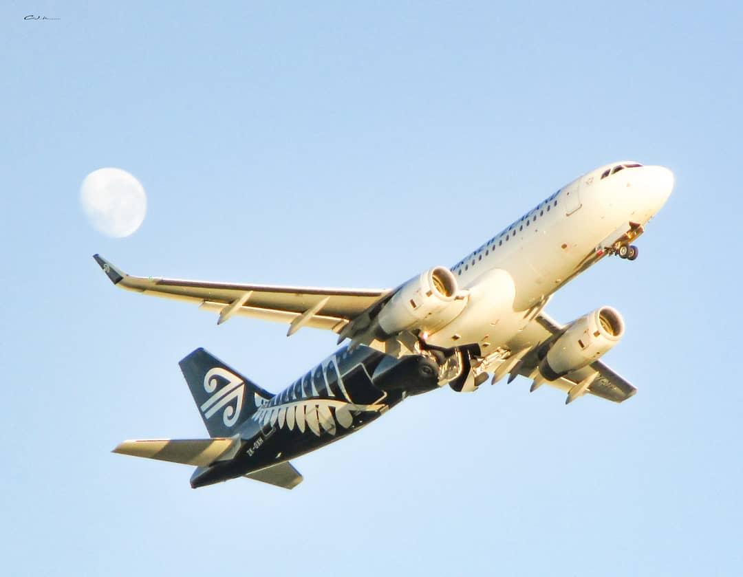 One of our favourite stars 🌟🌝 PC: aviation.cj @FlyAirNZ