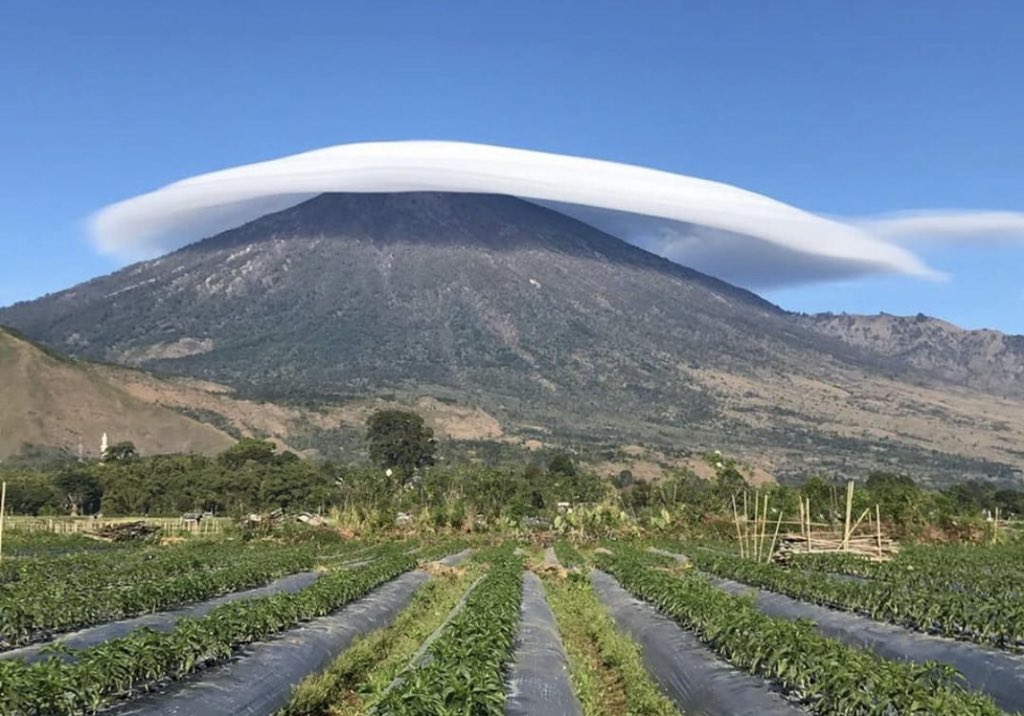 Gunung Rinjani Beserban