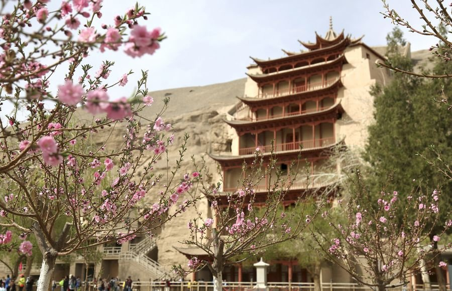 #UNESCOWorldHeritage Site Mogao Grottoes face conservation challenges as rainfall increases in northwest China's Gansu http://xhne.ws/F4WZk