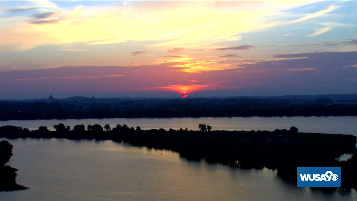 another stunner of a sunrise in DC.  We sizzle later today with a Heat Advisory starting at 11 AM.  #wusa9Weather #GetUpDC (pic 2 is my fav this AM...what's yours?) <br>http://pic.twitter.com/s5nhJ7LYwW