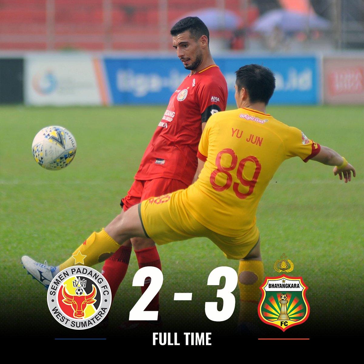 Hasil pertandingan Semen Padang vs Bhayangkara FC