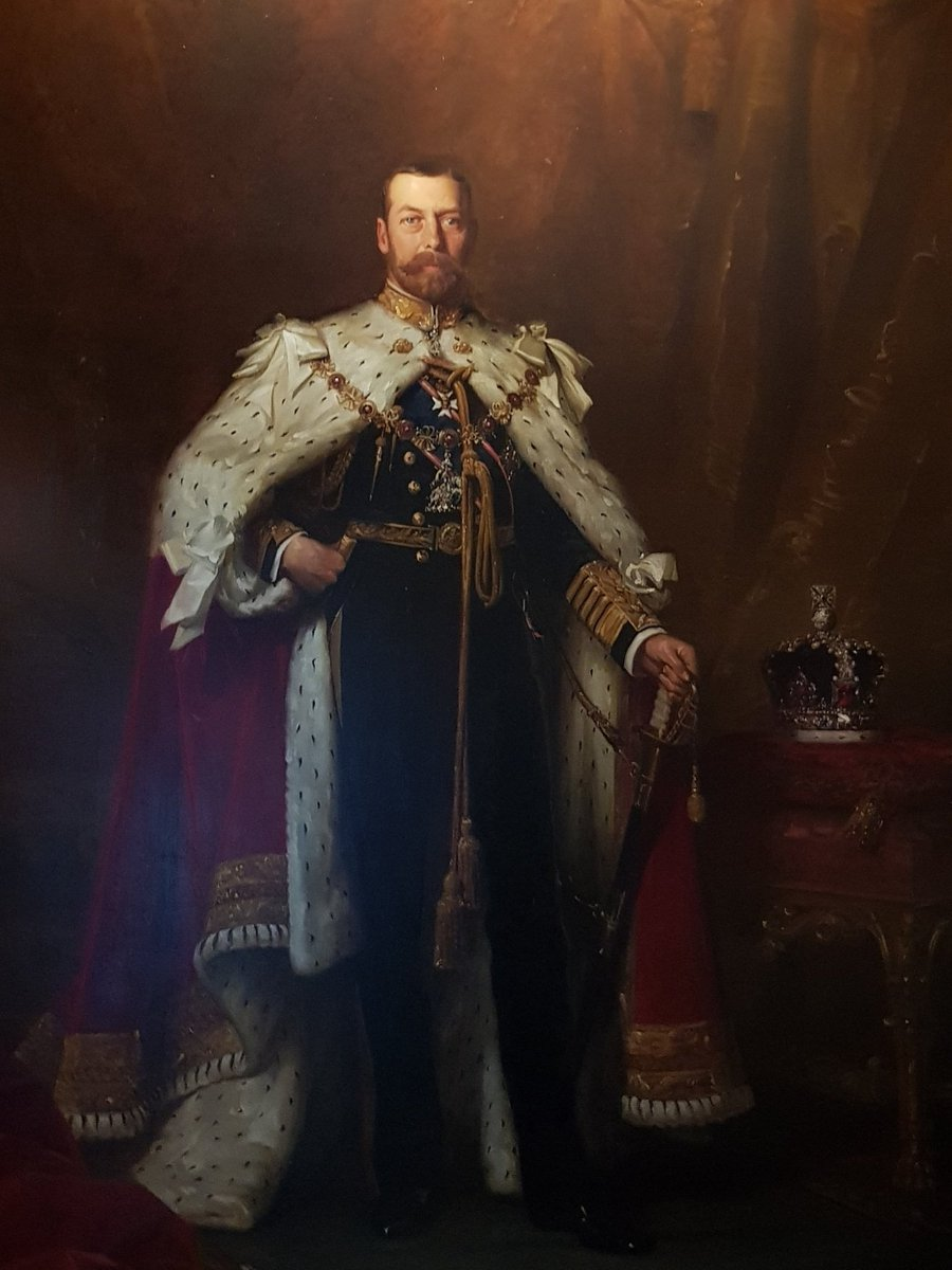 #OnthisDay July 17th in 1917 King George V issues a Proclamation stating that the male line descendants of the British Royal Family will bear the surname #Windsor. #History