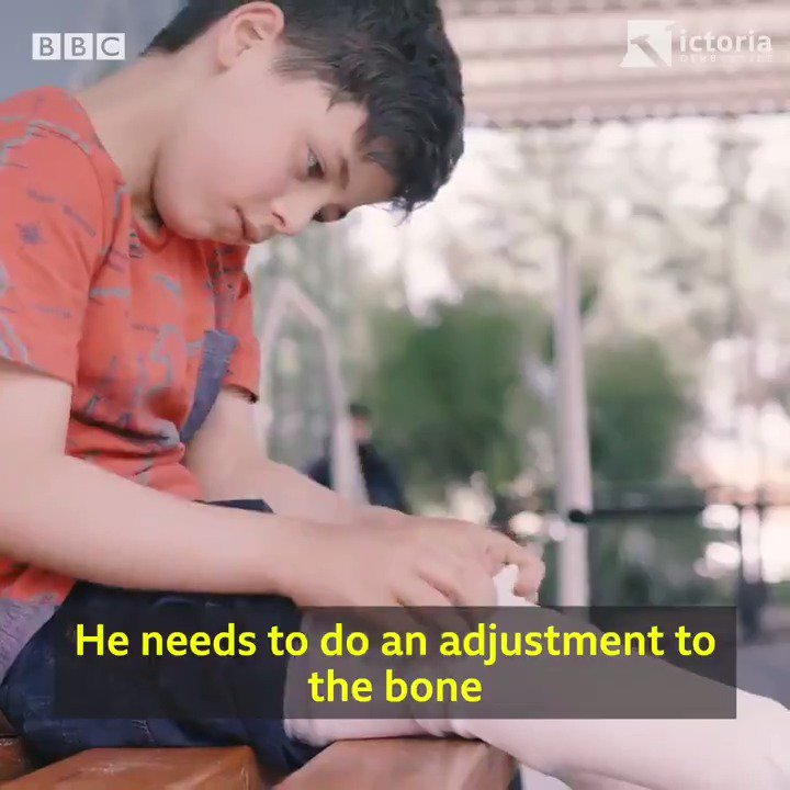 I've been meeting the last surgeons left in Idlib province in Syria - as they get training in how to better treat children caught in bomb blasts & traumatised by explosives. Their stories are utterly harrowing. My latest for @VictoriaLIVE & @BBCWorld > bbc.co.uk/news/world-mid…
