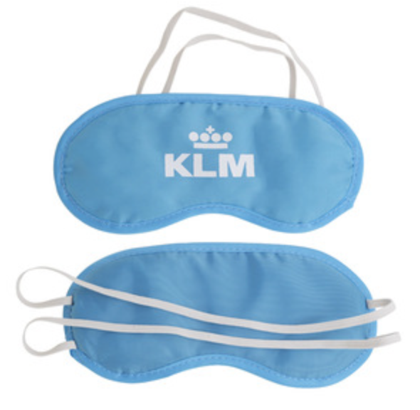 """#KLM as a Dad I cannot claim to be a #breastfeeding expert, but you have got it wrong, Mum and baby just do what they want to do, anyone offended give them your eye masks, some earplugs & maybe have a """"its not all about YOU conversation"""" with them.  Good luck #heatheryemm<br>http://pic.twitter.com/OTbPkNfgRj"""