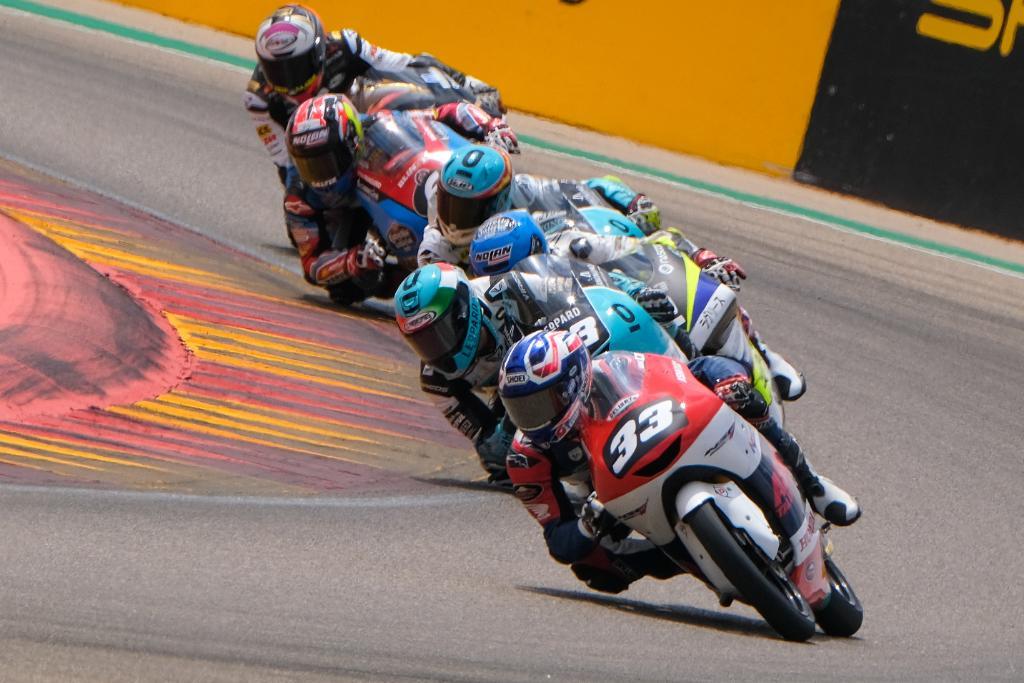 #CEV レプソルインターナショナル選手権第5戦がスペインのモーターランド・アラゴンで開催されました。Moto3クラスではロペス選手が今季初優勝!日本勢は國井選手が最後までトップを争いましたが、惜しくも4位となりました。  レースレポートはこちらから 👉 http://spr.ly/6012EaZSy #ホンダモースポ