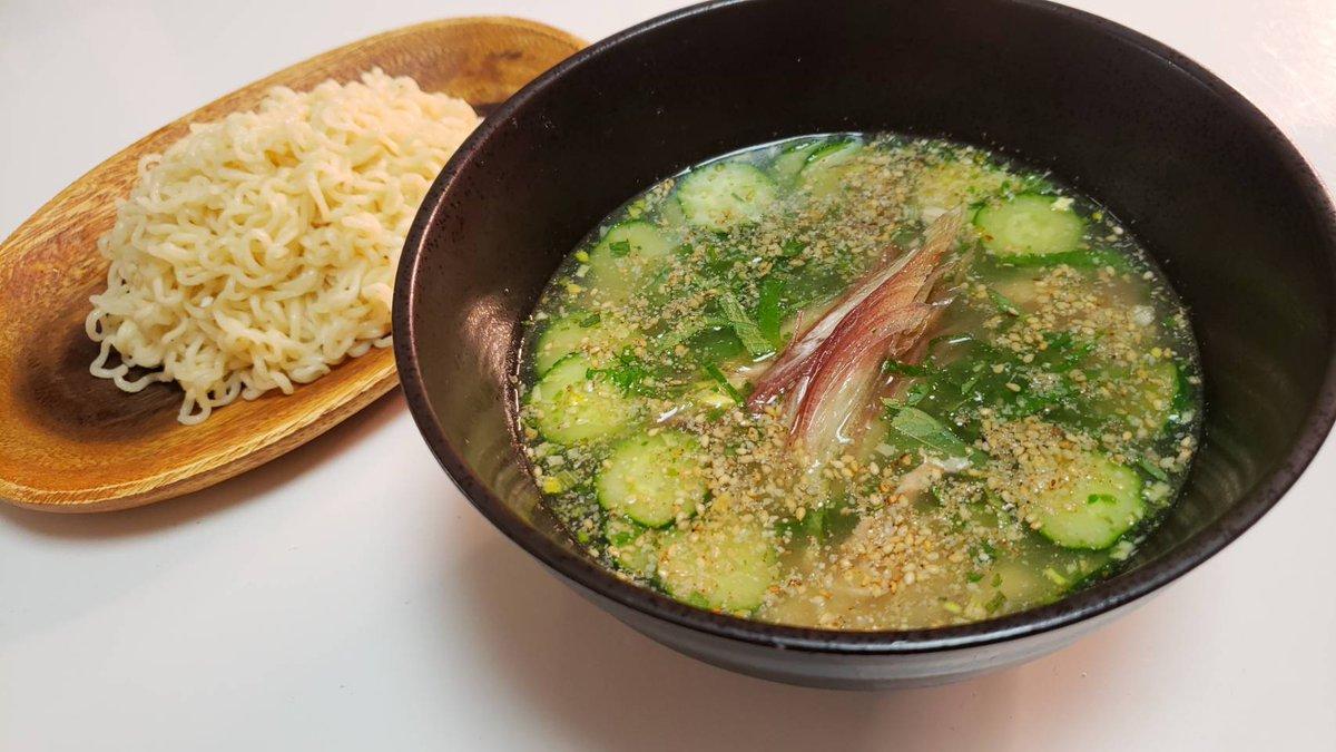 食欲激減してる時にピッタリ!サッポロ一番のスープで作る塩冷や汁つけ麺!