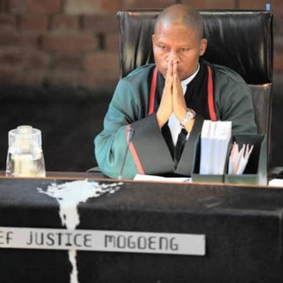 Appreciation tweet ya the Chief Justice! <br>http://pic.twitter.com/gFWbxOXUWl