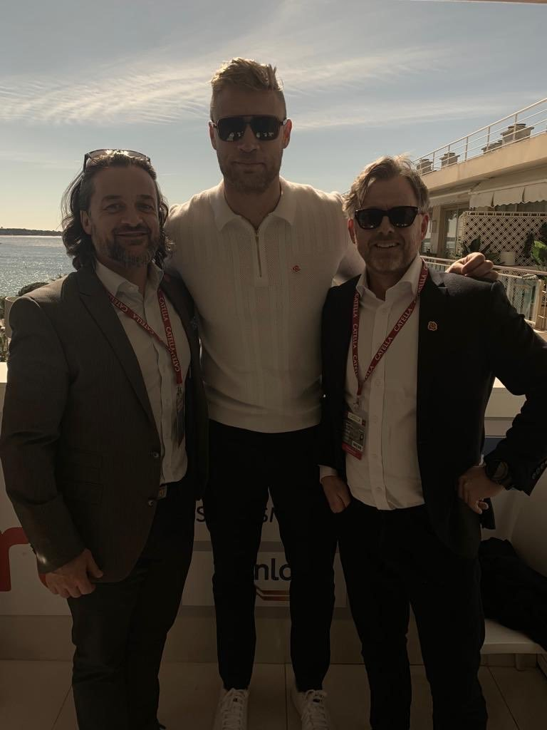 While #England celebrates the @englandcricket team winning the #WorldCup; we thought it would be a good time to look back at our directors meeting cricketing legend @flintoff11 at #MIPM2019 🏏  #CWC19 #Networking #Construction #Buildings #Cannes