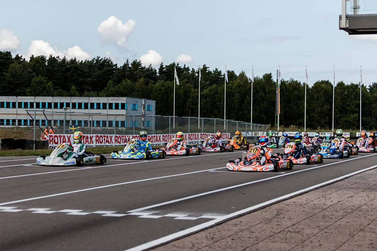 REPORT: Thrilling halftime event at the @rotaxkarting MAX Challenge Euro Trophy in Sweden!  >> https://bit.ly/2NYjmaW  #Rotax #EuroTrophy #AsumRing #Sweden #TheRaceBox #Karting #RoadToF1