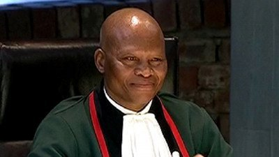 Chief Justice Mogoeng Mogoeng has criticized the media for what he terms its biased coverage. He says certain media houses, use only select analysts on their programs. #sabcnews<br>http://pic.twitter.com/lUvEgbJ9df