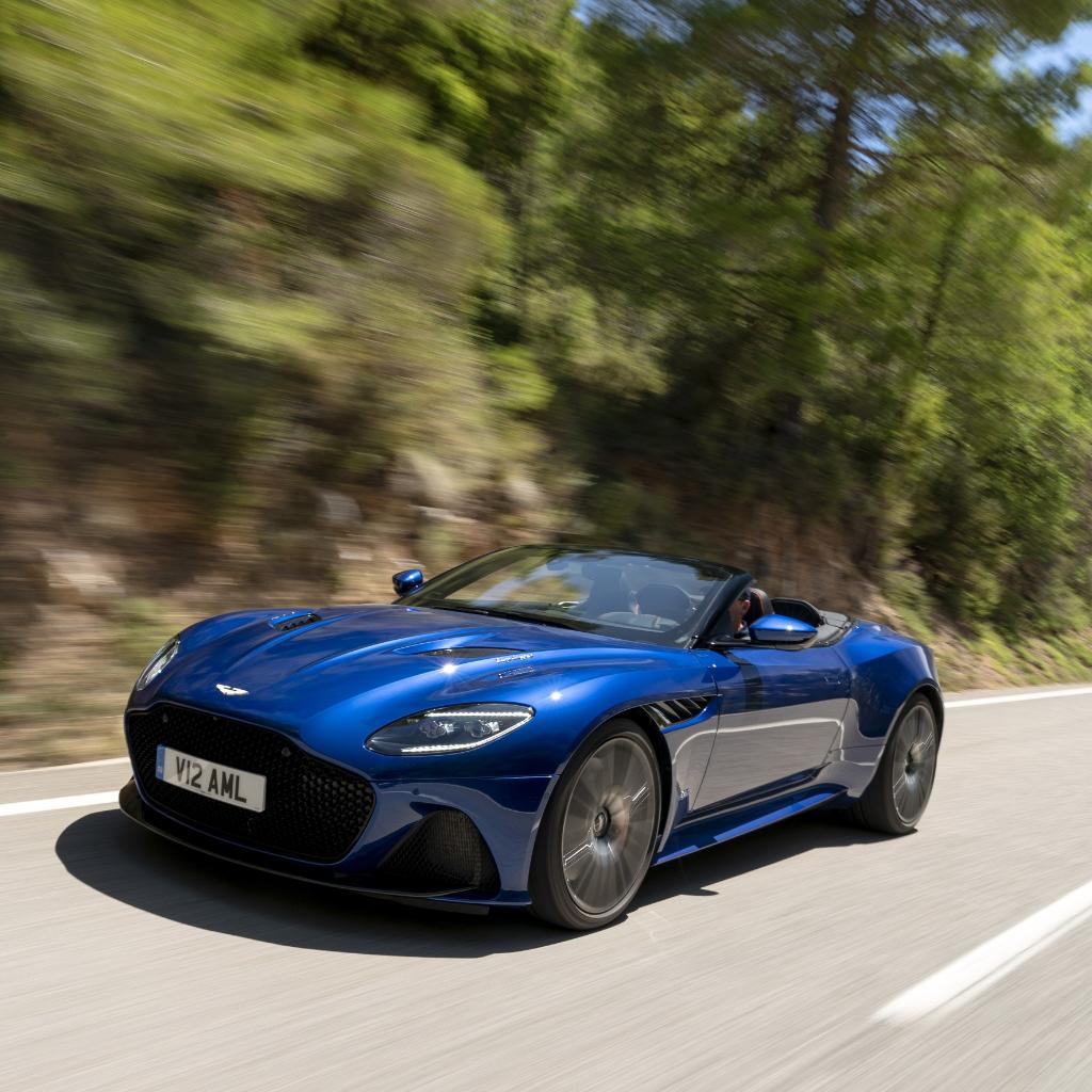 DBS Superleggera Volante is truly a convertible without compromise.  The lines flow so effortlessly with the roof, that in silhouette it could well be mistaken for its Coupe sibling.  #DBSSuperleggera #Volante #AstonMartin