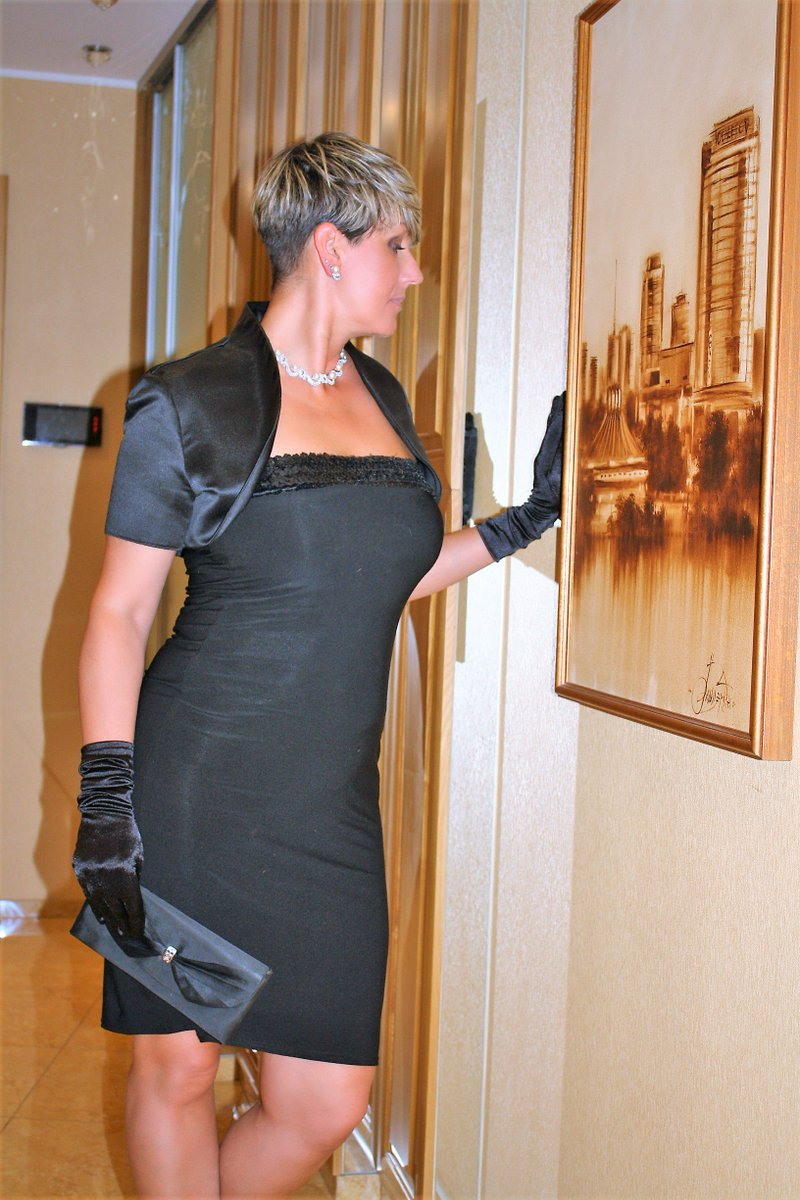 Milf in cocktail dress Sexy Mature Milf Lenore On Twitter Evening Dress Code For The Gala Event I Hope That In Beautiful Elegant Clothes I Like Me As Well As Without Clothes Https T Co Rhlwwtx6rh Ladyes Cougars Milfs Beauty