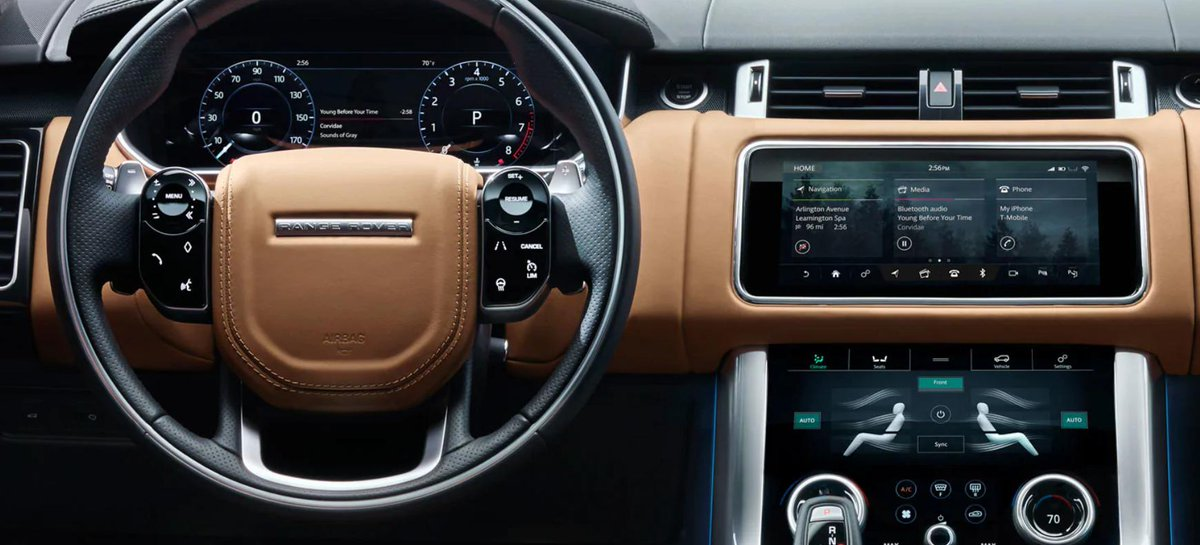 It's Cell Phone Courtesy Month, and we've got you covered. With intelligent voice recognition technology, you can complete tasks without taking your eyes off the road. #RangeRover #LandRoverOKC https://t.co/vlWMHaXtFO