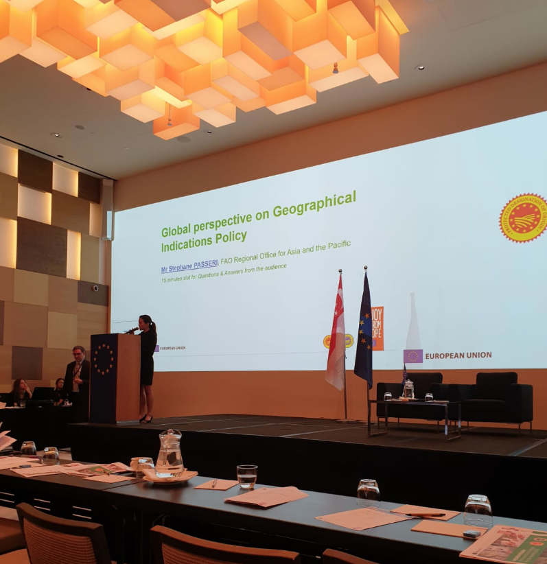 test Twitter Media - #followtheAcorn our Gianluigi Rosso Borghero attending the High Level Seminar in #Singapore #PecorinoRomano #Geographical #Indications for #Agri #Food #Product  #EUAGRIFOOD #FTA #GLS #EU #Commission #DIRECTORATEGENERAL #AGRICULTURE #RURAL #development  https://t.co/hOWD1RDJIX https://t.co/3iu54q9nzF