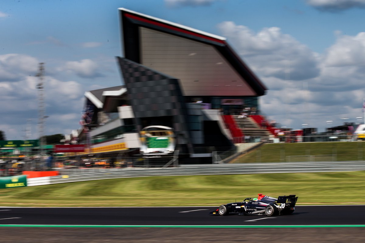 Hitech flying high and Pulcini topping the podium 🙌  The low-down on the #BritishGP 👉 http://tinyurl.com/F3-GB-TP   #RoadToF1 🇬🇧 #F3