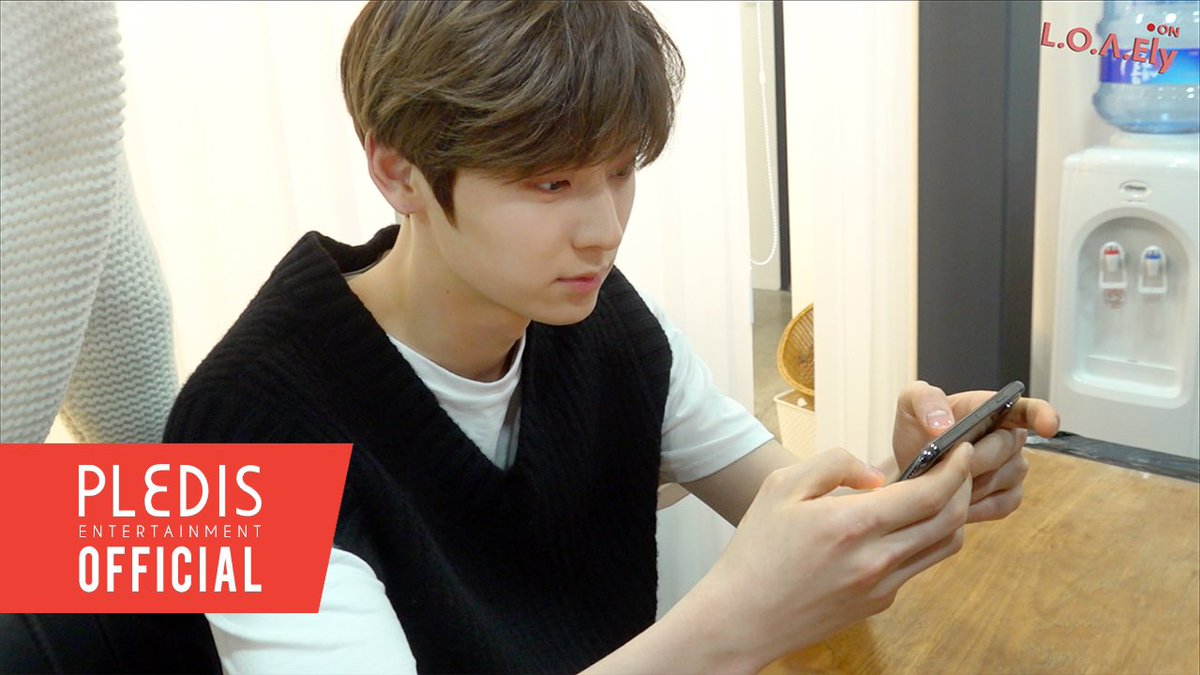 [VIDEO] L.O.Λ.Ely #21 민현이의 슈스플 챌린지 youtu.be/35HqdKYtLII #뉴이스트 #NUEST #LOΛEly