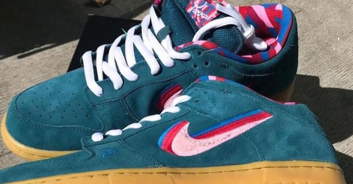 parra x nike sb dunk low friends and family