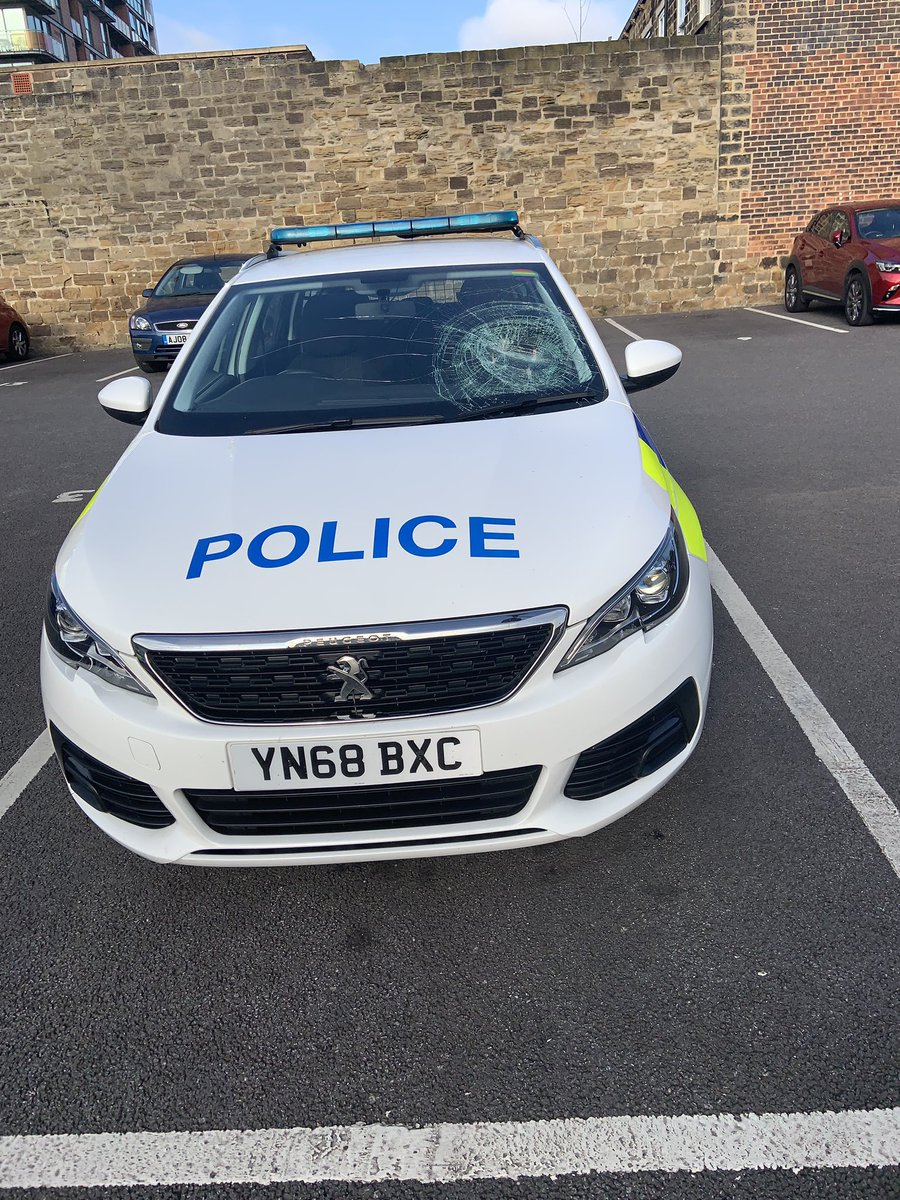 A mans been jailed for 8 weeks for smashing the windscreen of a police car in Barnsley #CapitalReports