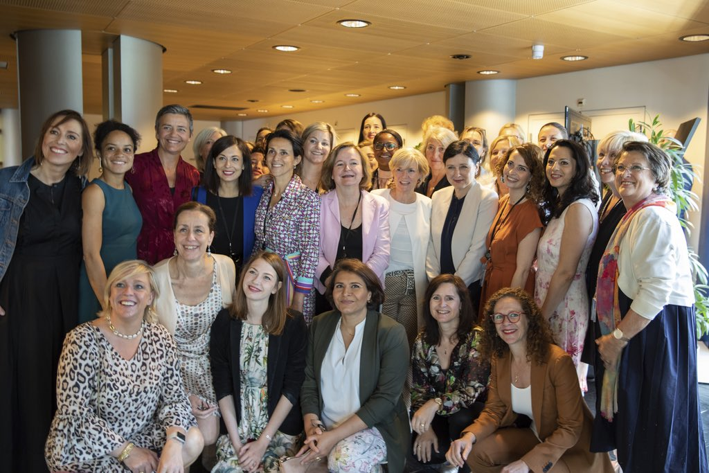 Wonderful to be with the @RenewEurope women - such a force for change: Experienced & skilful, dedicated & dreaming #NowItsForReal @VeraJourova @Bulc_EU @SophieintVeld