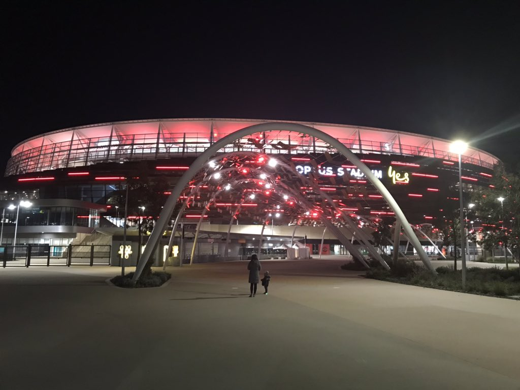 (2/2) The colour lights @ManUtd at @OptusStadium, Matagarup Bridge and Crown Perth Hotel.  #MUFC #MUTOUR #ManUtd #UnitedinPerth #Perth #MUTOUR2019 #ManchesterUnited #visitperth #optusstadium #swanriver #westernaustralia #matagarupbridge #perthstadium #matagarup #burswood https://t.co/zI5ZVaQSWv
