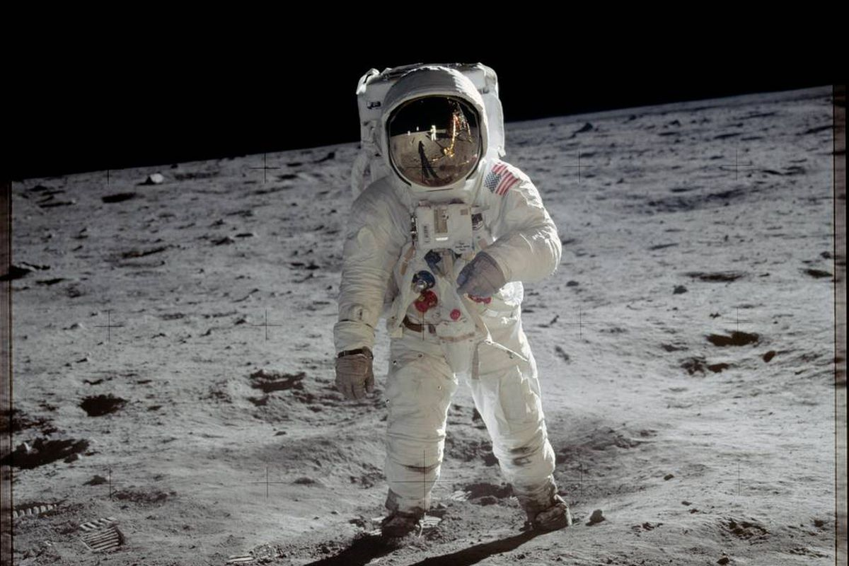 To the Moon and back to Earth. Technologies developed to get us to the lunar surface are still benefiting us Earthlings planet-side. Like what? ✈Digital flight controls 🍣Food safety 👂Rechargeable hearing aids And theres so much more ⬇️ go.nasa.gov/2LVGrZl #Apollo50th