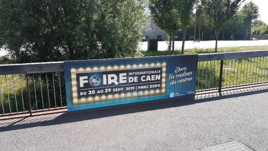 Le boulevard Yves Guillou se met aux couleurs de la #FoiredeCaen ! 🎬🎞 ➡️Rendez-vous du 20 au 29 Septembre au #ParcExpoCaen ! https://t.co/TH0Nc7trNG