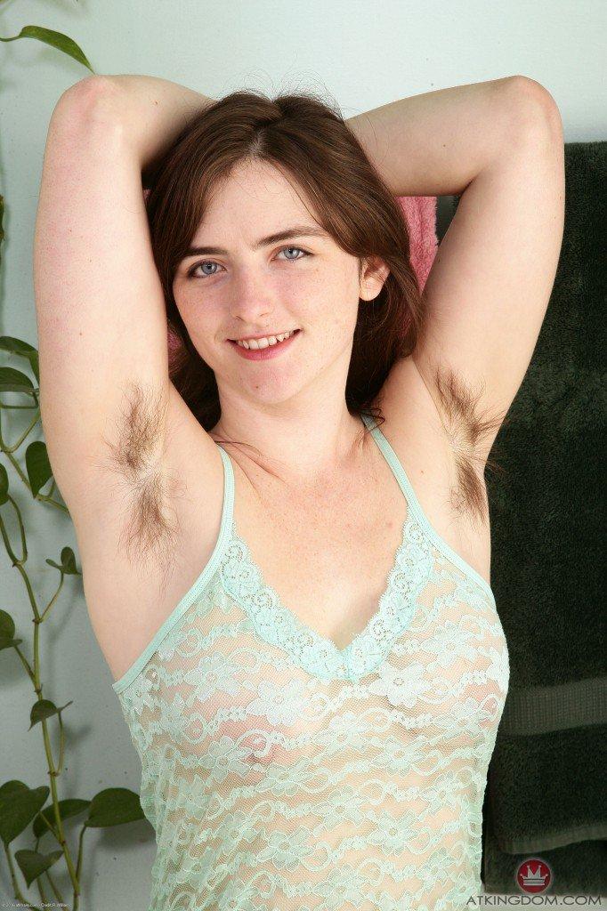 фото молодых девушек с волосатой пиздой