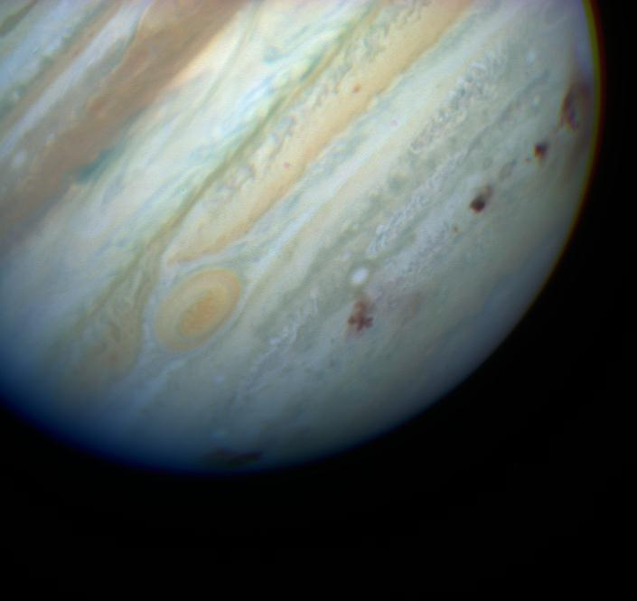 #HubbleClassic 25 years ago this week, fragments of the broken-up Comet Shoemaker-Levy 9 slammed into #Jupiter. Hubble watched the strikes, revealing giant plumes and dark impact scars as they appeared on the battered planet: go.nasa.gov/2JC3ZRp
