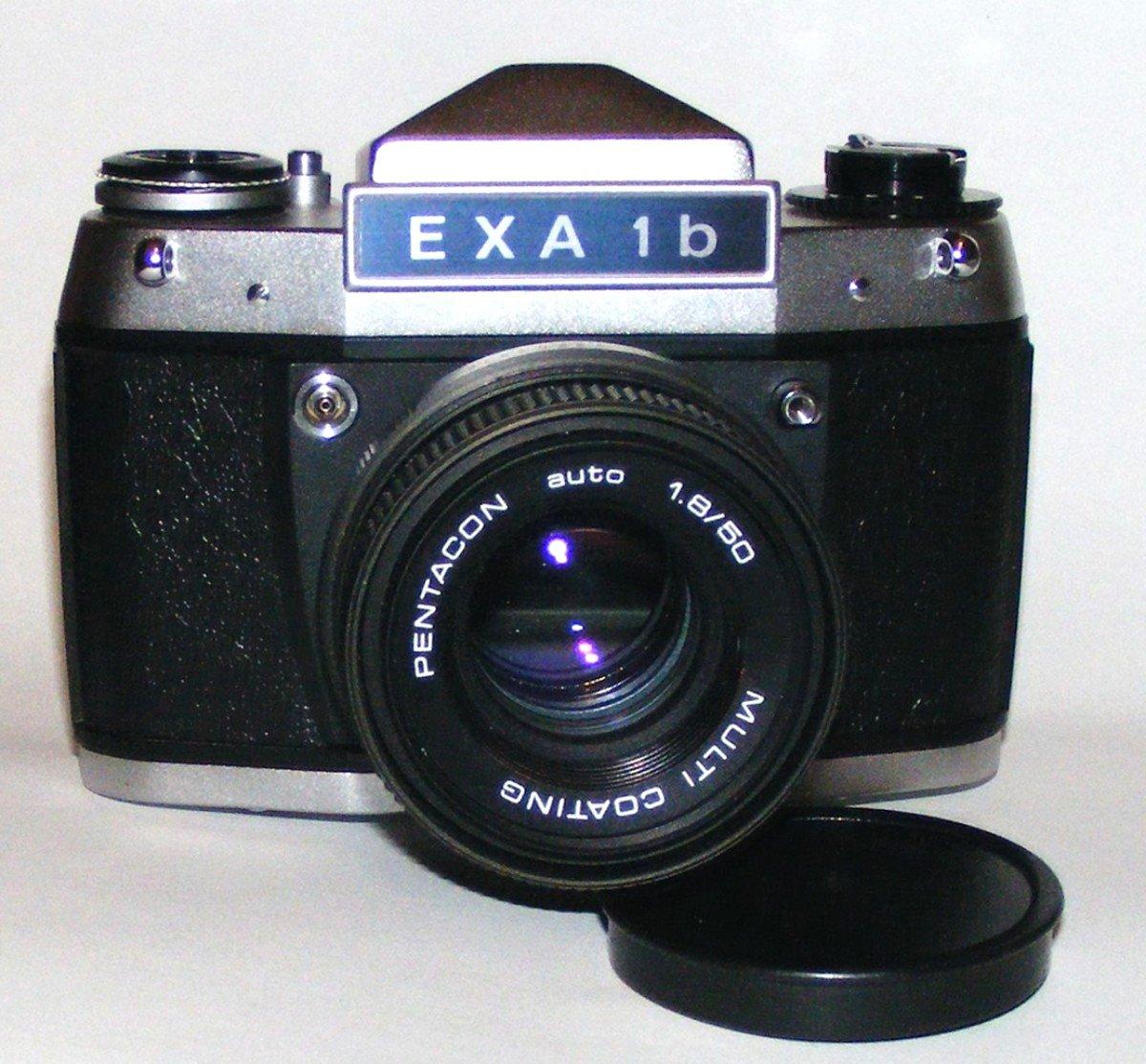 Sehr schöne funktionale DDR Spiegelreflex Exa1b aus den Achtzigern: #exa1b #exa #analogfotografie #analogphotography #swfilm #foma #swfotografie #photo #photoart #eastgermany #pentacondresdenpic.twitter.com/nMSesFvF4U