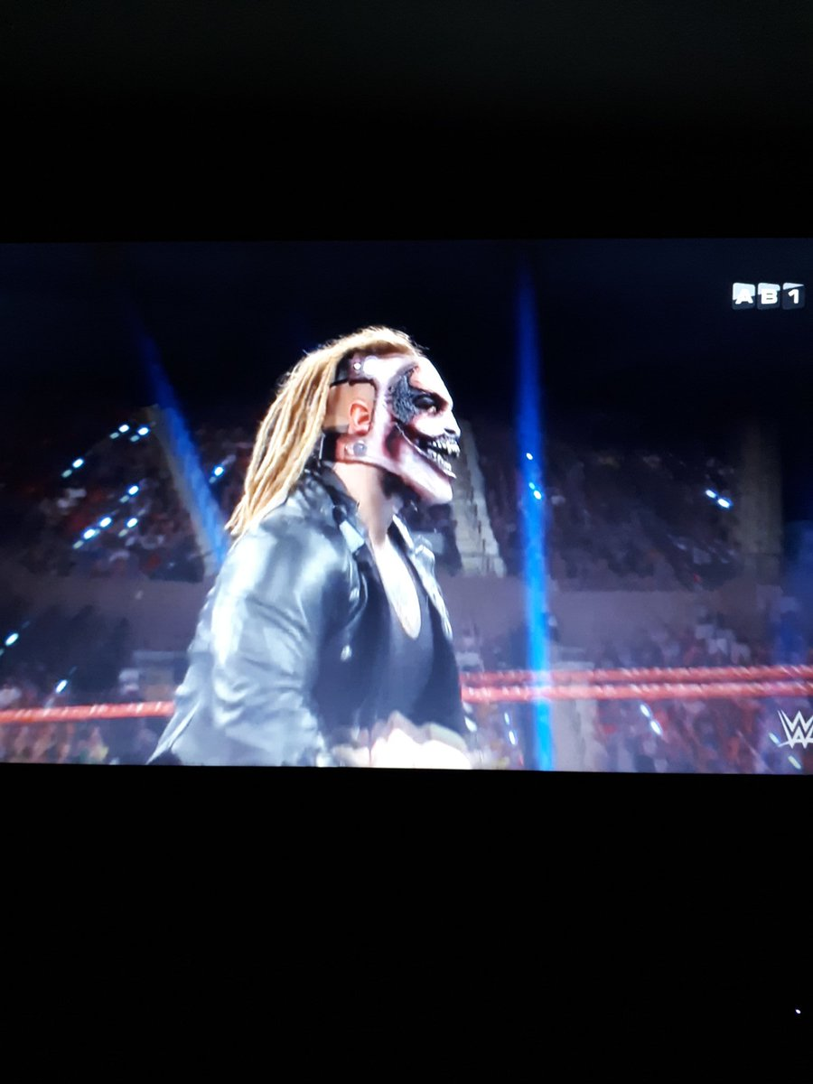HELL YEAH  #CatchRAW <br>http://pic.twitter.com/S05n8Qcycr