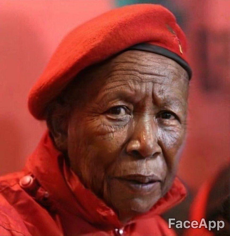 Lols  look @Julius_S_Malema<br>http://pic.twitter.com/wfbvVDNJ1n