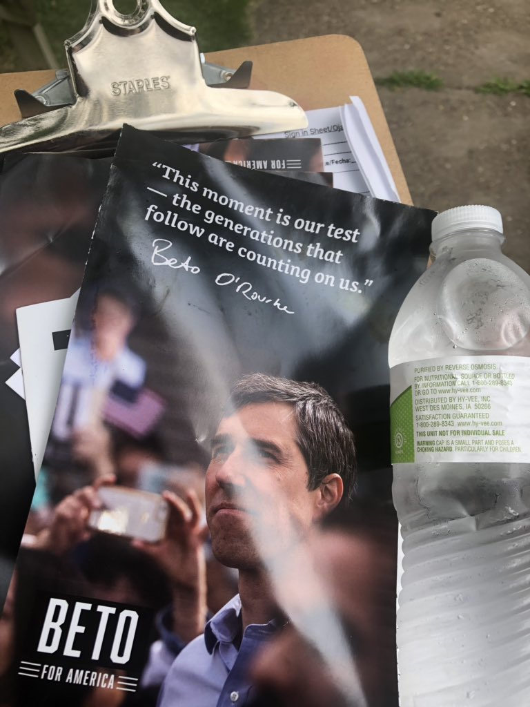 A very nice lady gave me a bottle of water while canvassing for @BetoORourke in Davenport! #IowaNice #EngageEveryone<br>http://pic.twitter.com/juhBKdFci8