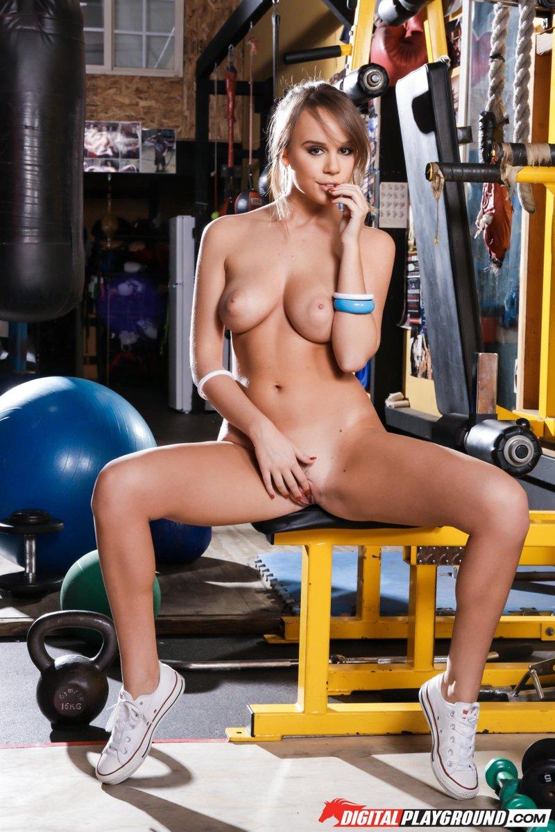 test Twitter Media - RT @hottychix: FOLLOW @AlexXxisAdams   Beautiful Sexy Natural  your new Fitness Coach https://t.co/BkwuMKV66f