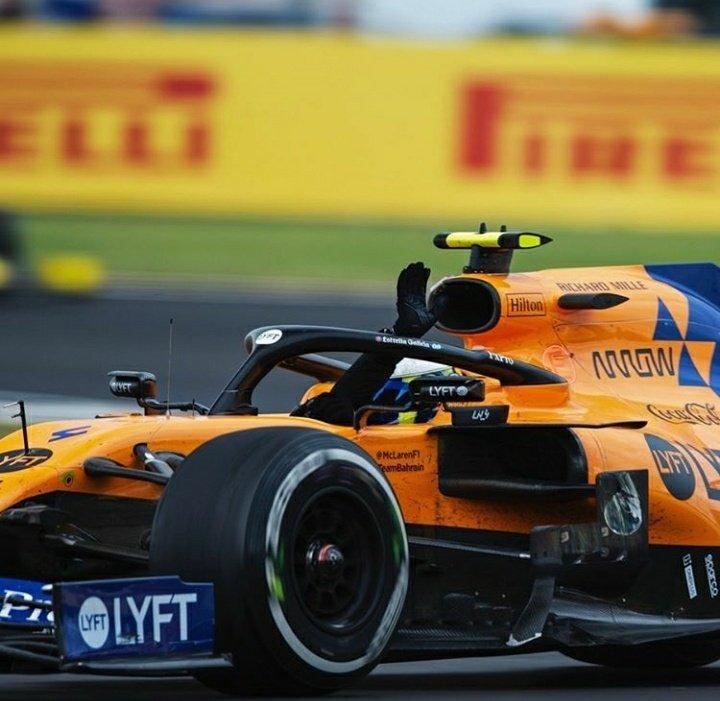 Norris tuvo un toque con alguien, al final de la carrera se aprecia que le falta la publicidad de @EG00 en el enplate izquierdo. #BoxInThisLap #Formula1