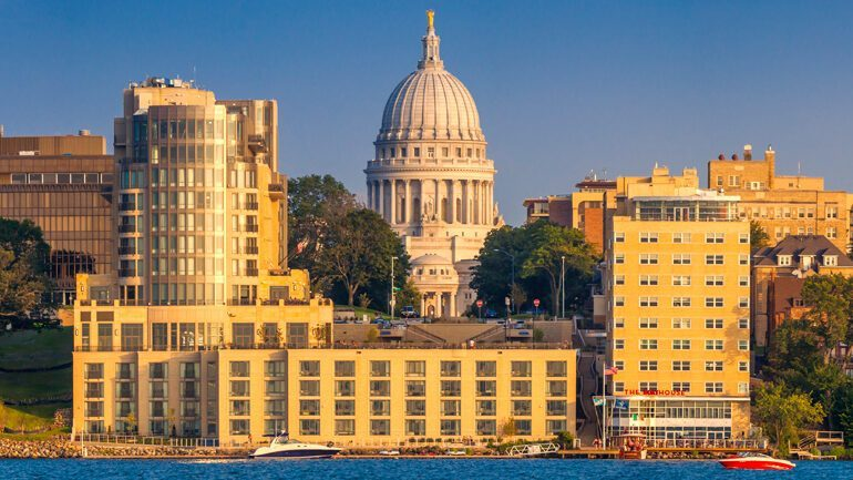 #Madison rocketed up 10 spots in the rankings from last year's report. It's also has the highest concentration of twentysomethings of ALL 50 markets. #Milwaukee, on the other hand, didn't fare as well... #mketech
