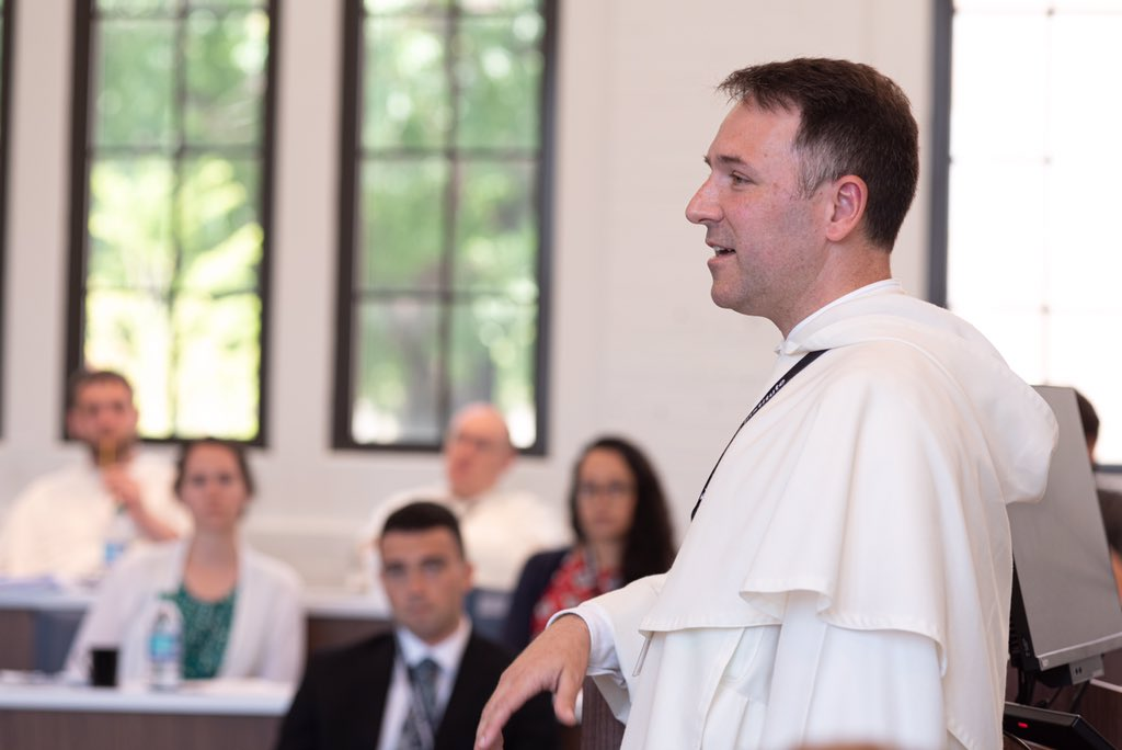 """Throughout the week, @FrAquinasOP led rich discussions on """"The Love of the Common Good as Good,"""" based on the writings of Saint Thomas Aquinas. @ThomisticInst @pficnews #civitasdeifellowship"""