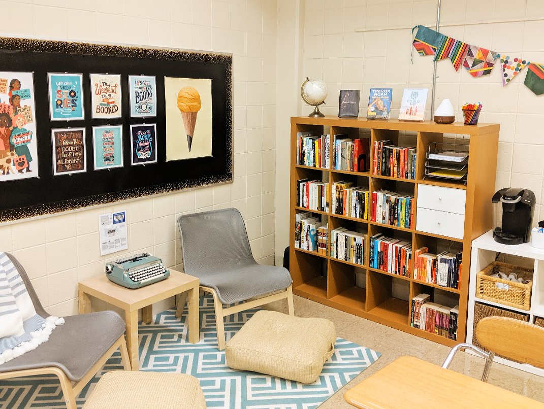 Setting up my classroom and taking some proud #shelfies. Now, all it's missing is some @GBNPanthers to fill it!  @GlenbardDist87 #TeachersInSummer #ClassroomSetup #BuildYourStack<br>http://pic.twitter.com/OUymJOhto3