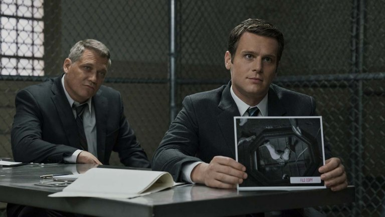 Netflixs #Mindhunter Drops #Interactive #FirstLook at Season 2. The trailer and a trove of photos were presented to press on Wednesday as an experience. hollywoodreporter.com/live-feed/mind… @thr