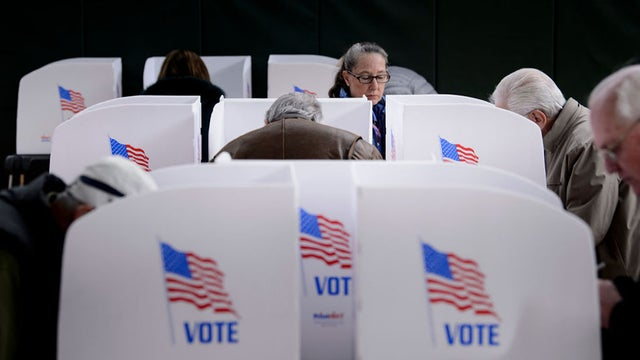 #BREAKING: Senate passes bill that makes hacking voting systems a federal crime  http:// hill.cm/Fo6Ysi0    <br>http://pic.twitter.com/pCqIXbzES1