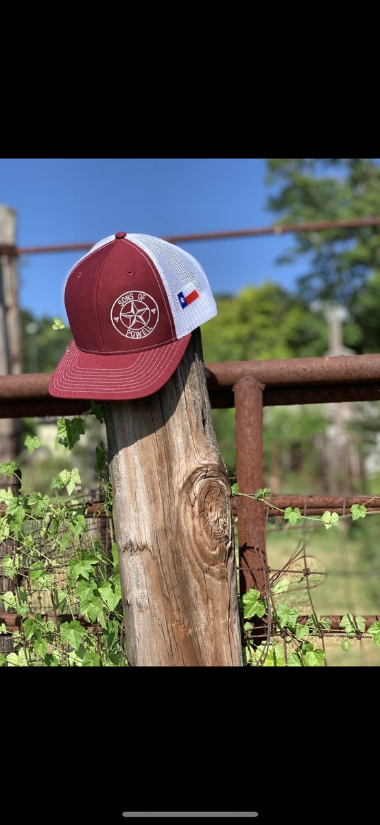 Nothing more #Texas than using a fence post from the 1900's to put your #family owned business cap on with a #texasflag drippin off the side like whoa calm down #native 🙌✊🤷♂️🤤😳🇨🇱