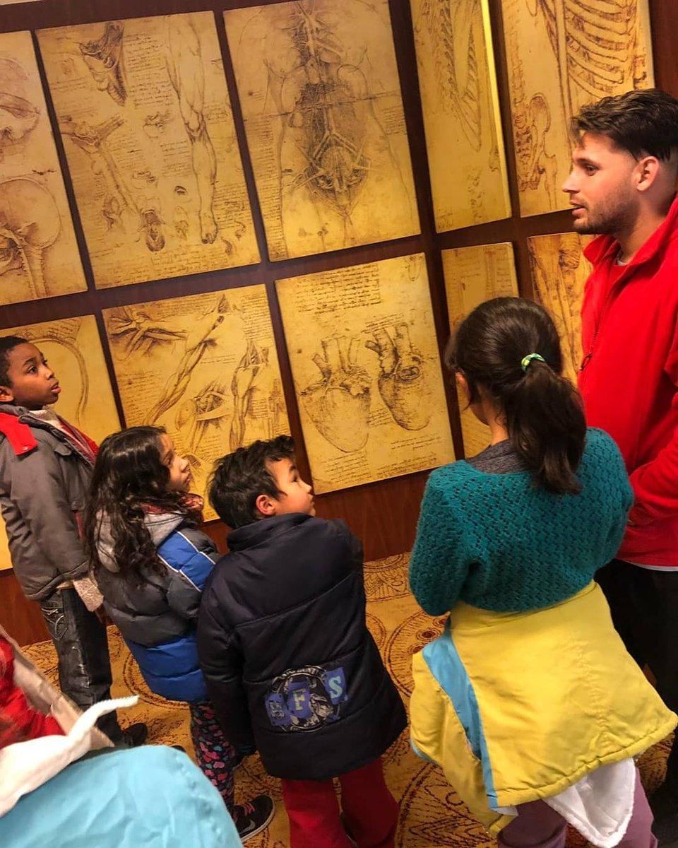 """Derecho a la #cultura 🖼 Niños y niñas del Hogar Tataypy de #INAU visitaron la muestra """"DaVinci, el genio"""" en el Hotel Radisson de #Montevideo."""