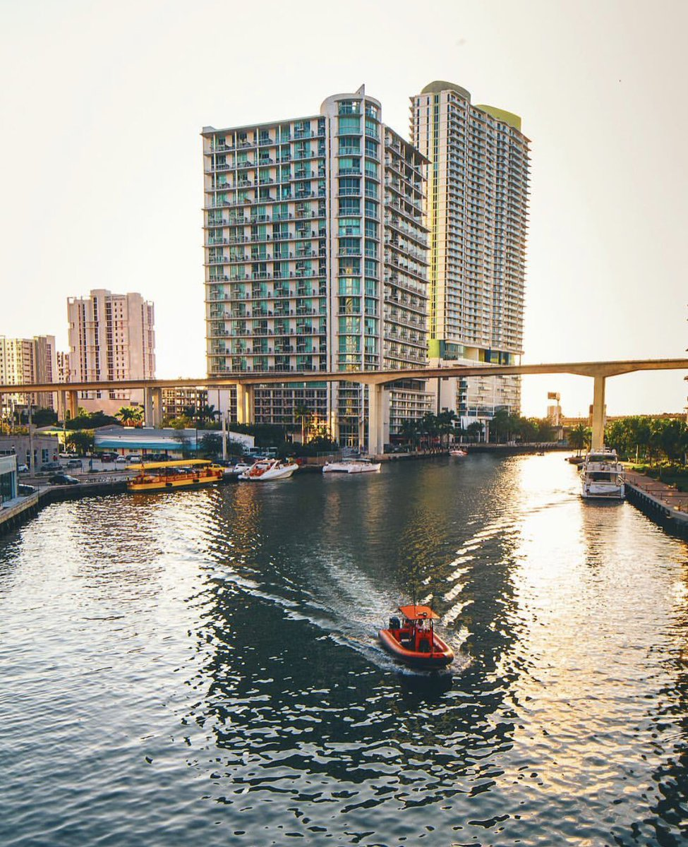 Life is like a river. The way of life is to flow with the current. #WednesdayWisdom #Miami :Romer Stekman.<br>http://pic.twitter.com/xqd1leMsZE