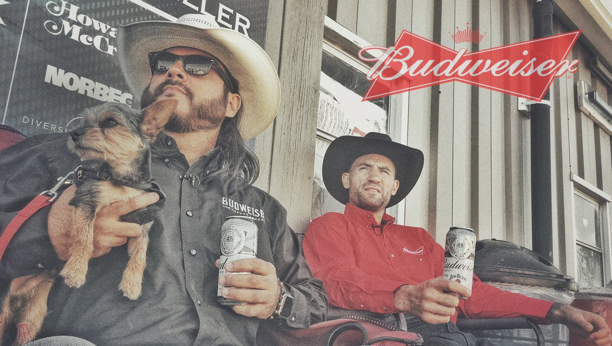 On episode 192 of @spittinchiclets I also mention my amazing time at the @calgarystampede. Can't thank @BudweiserCanada enough for sending me to get some content with @ShaunLatham to show our @spittinchiclets followers what one of the craziest parties on the planet has to offer.