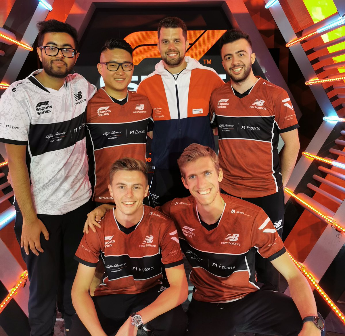 We've now completed our roster for the 2019 #F1ESports Pro Series! Mega 🙌🏼🔥@alfaromeoracing @SauberEsports