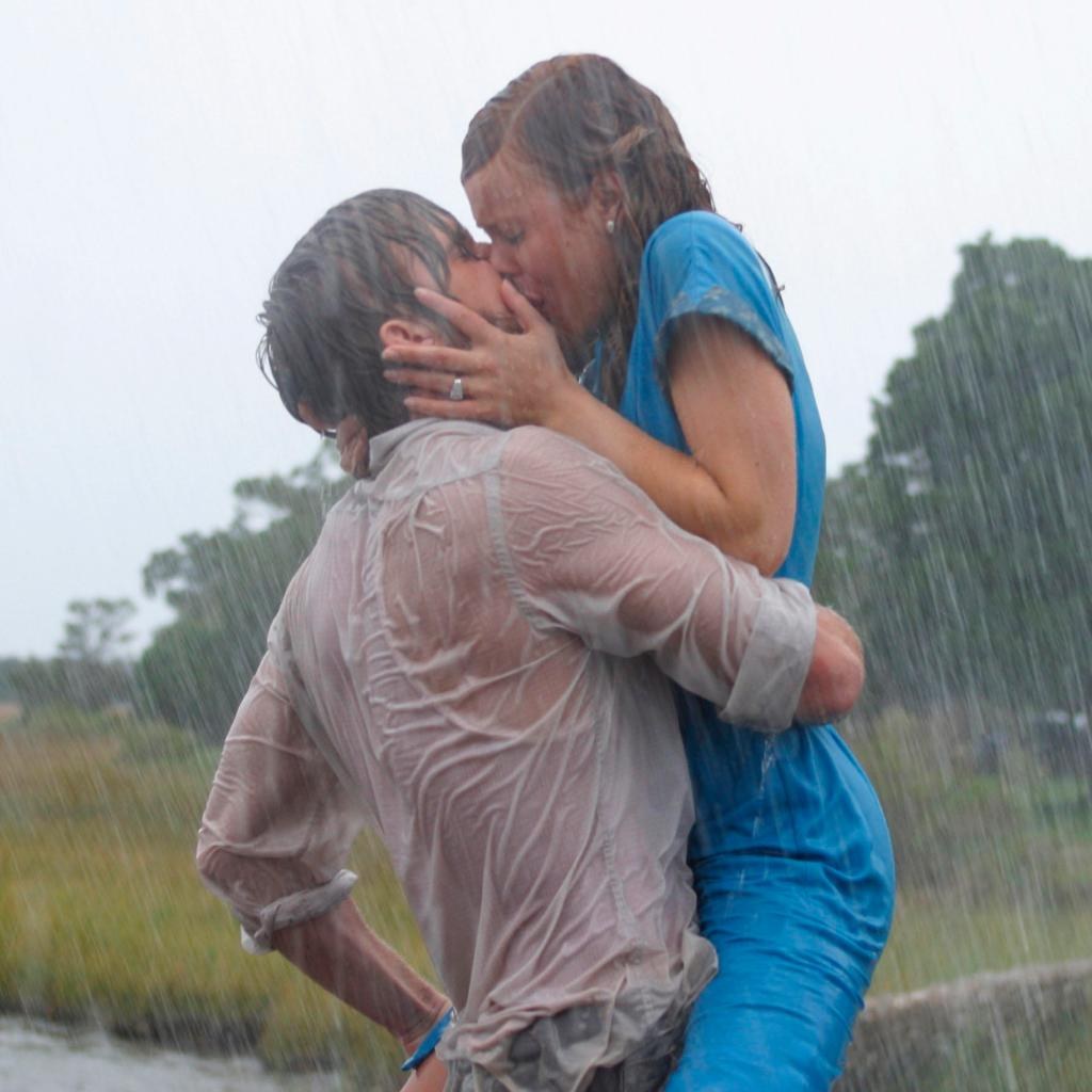 17 of the best movie kisses of all time:  http:// porterm.ag/UchZvM      #ValentinesDay <br>http://pic.twitter.com/FTfOeRu6qT
