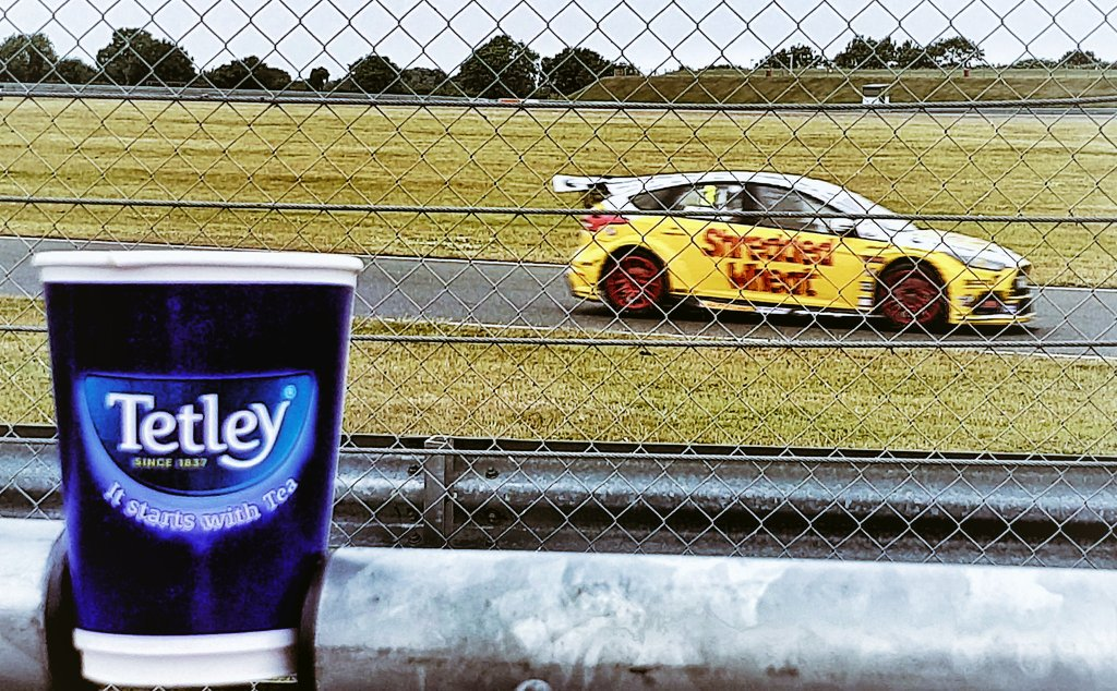 @tetleyuk #ItStartsWithTea celebrating my 28th birthday trackside, watching the #btcc British Touring Cars test at #Snetterton yesterday, 17 July 2019.  #mobilephotography #galaxys9 #motorsportphotography #hdr #snapseed #vignette